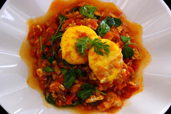 Tomato egg scramble curry
