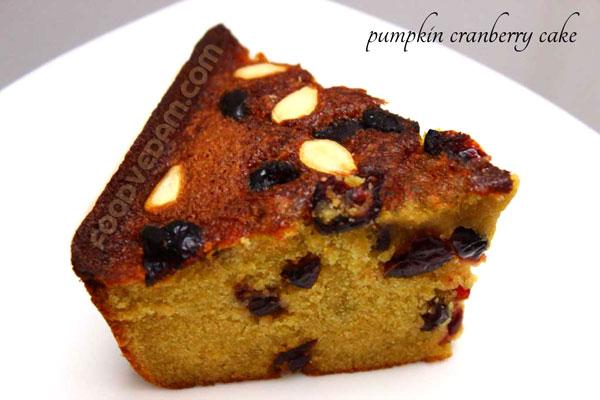 pumpkin-cranbeery-cake
