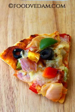 Cheesy Veg Pizza recipe -basic vegetarian pizza